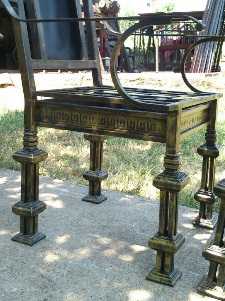 Nameštaj i enterijer od kovanog gvozdja stolica